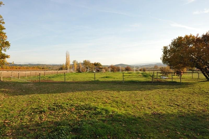 Maison avec piscine proche Luberon  au milieu de terres agricoles