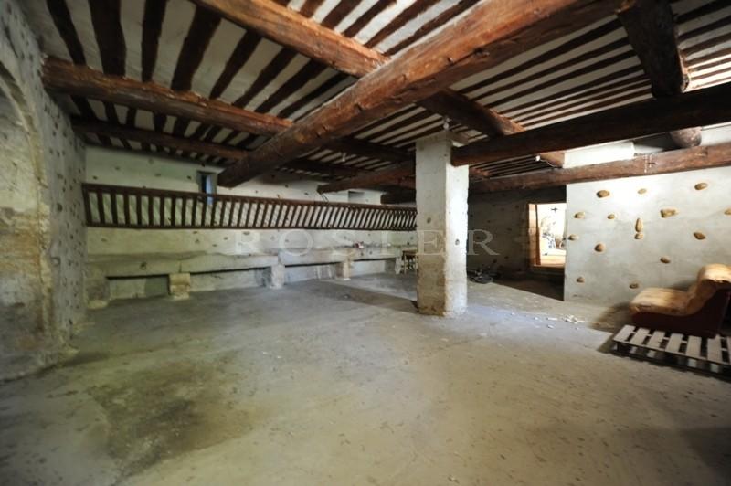 Domaine Viticole d'environ 60 hectares d'un seul tenant  à deux pas de Châteauneuf du Pape