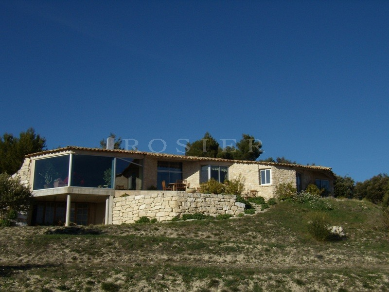 Maison moderne en Luberon, vue unique sur la vallée