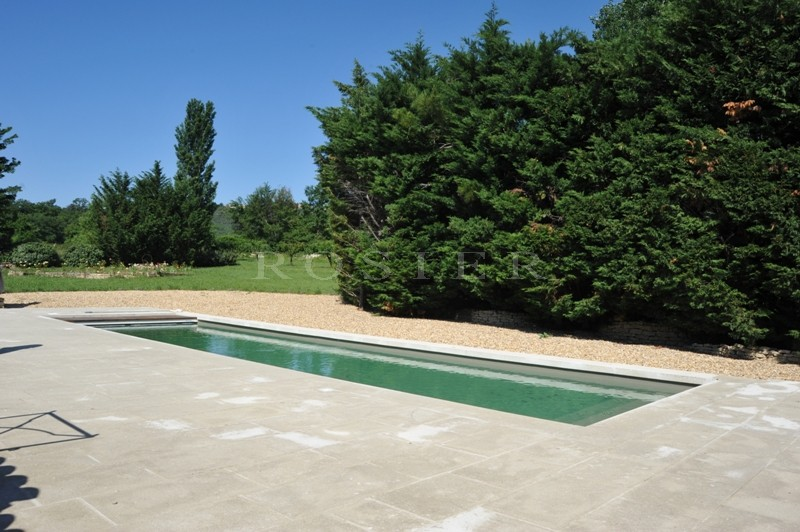 Ventes gordes belle propri t d 39 agr ment d 39 environ 250 m for Agrement piscine