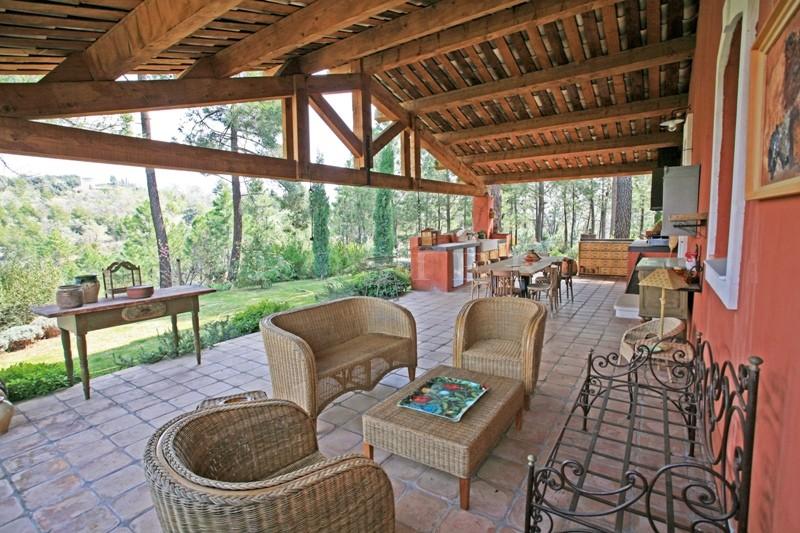 Luberon,  propriété avec superbe vue sur plus de 2 hectares