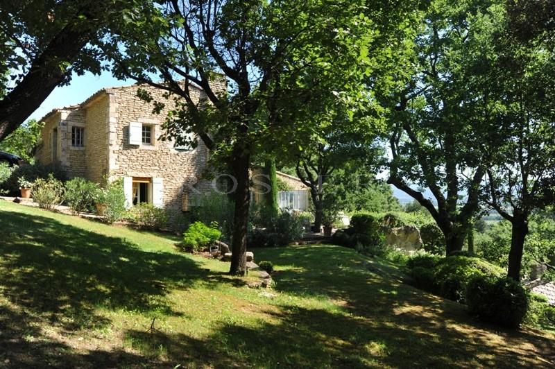 Luberon,  grande propriété en vente à Gordes avec piscine