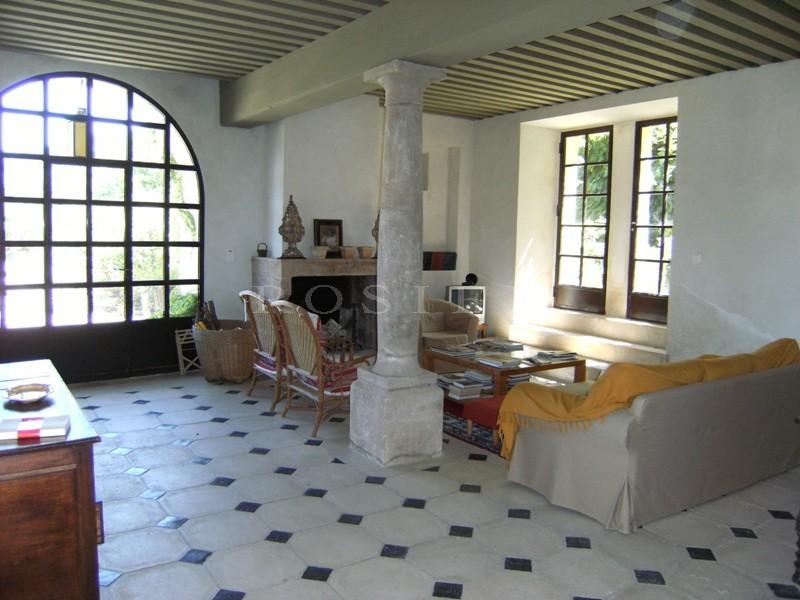 Très belle bastide provençale du 19ème siècle d'environ 400 m²  en Luberon