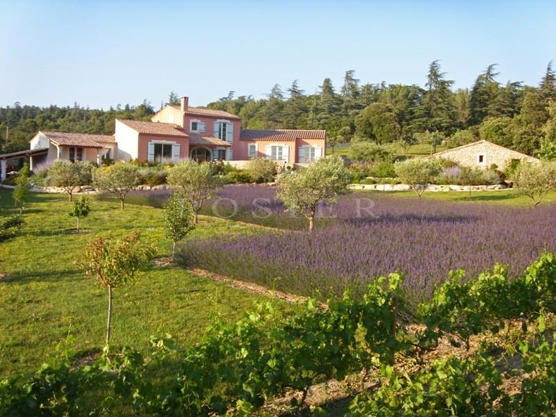 Ventes luberon villa traditionnelle avec piscine et vue for Camping luberon avec piscine