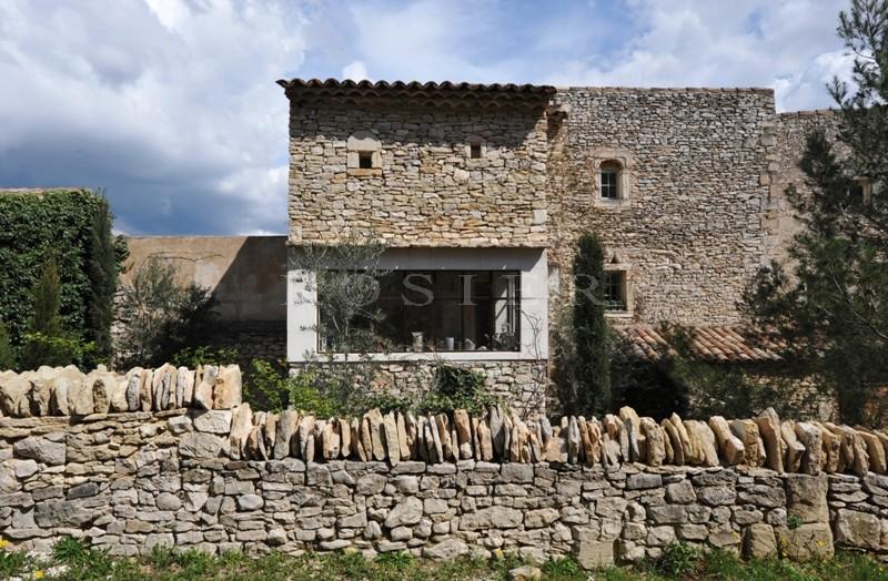 Maison de Hameau dans le secteur nord Luberon,