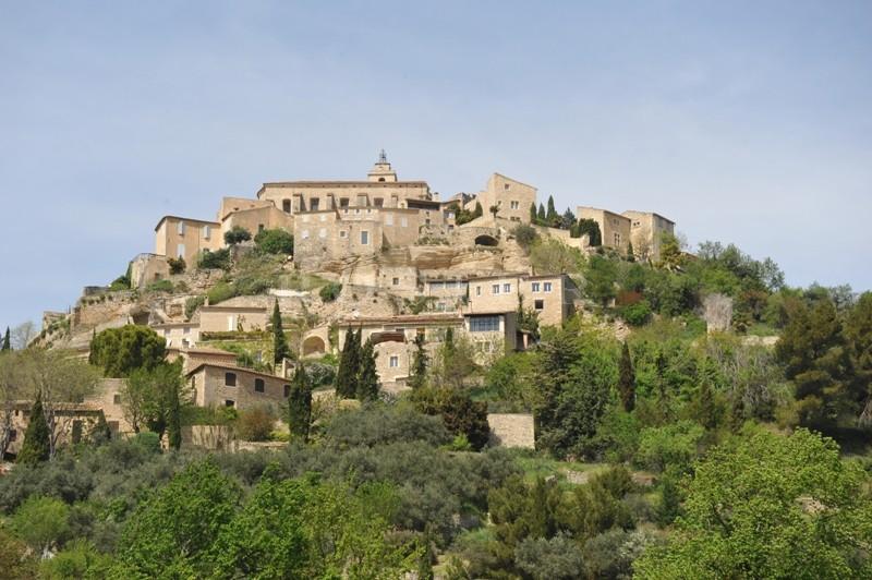 Maison de village à vendre  à flanc de colline avec vue Luberon