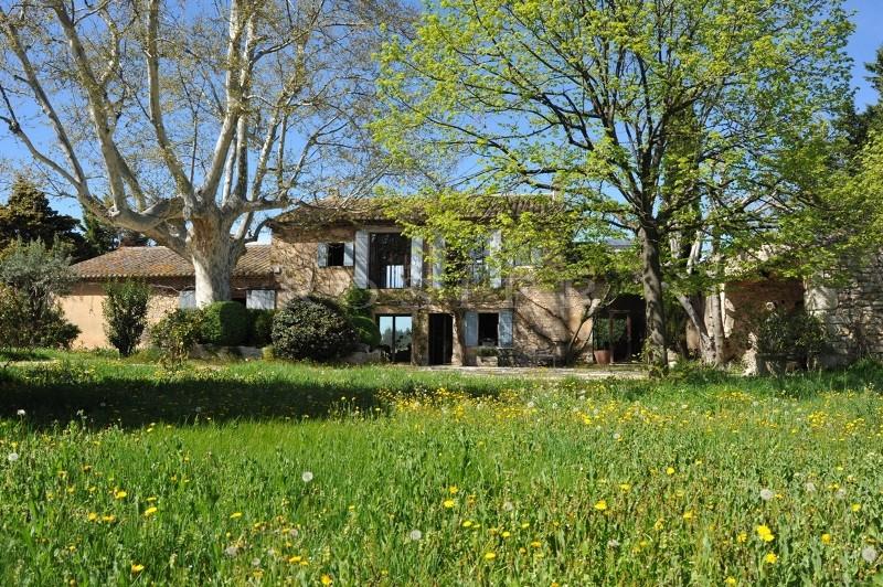 Mas Rénové  en Luberon, avec piscine et dépendances, sur plus de deux hectares