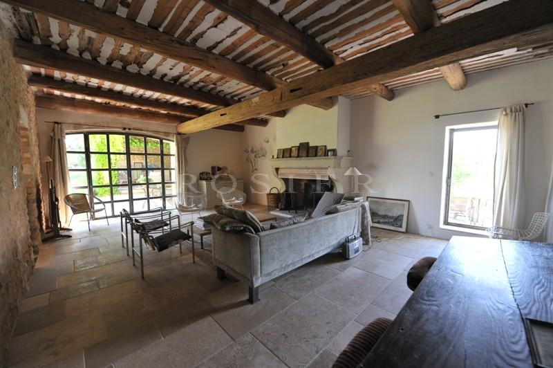 Mas ancien plein de charme en Luberon sur plus de 3 hectares