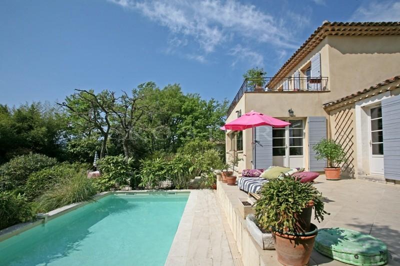 Ventes maison avec piscine en bordure d 39 un village perch for Perche nettoyage piscine
