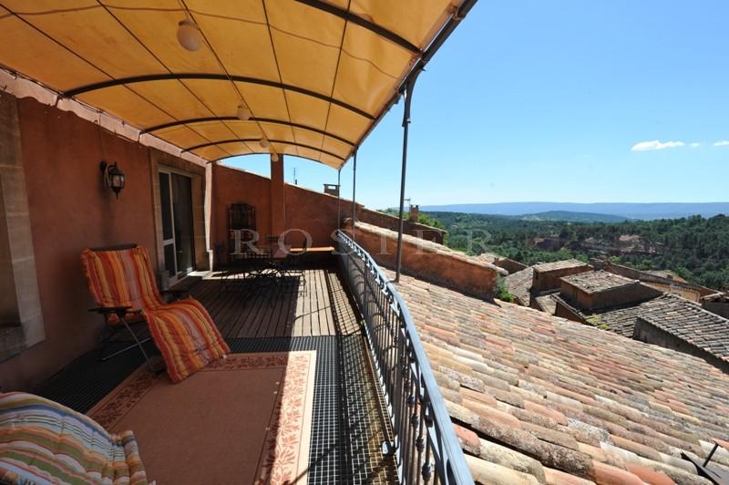 Maison de village avec vues sur Roussillon et ses falaises
