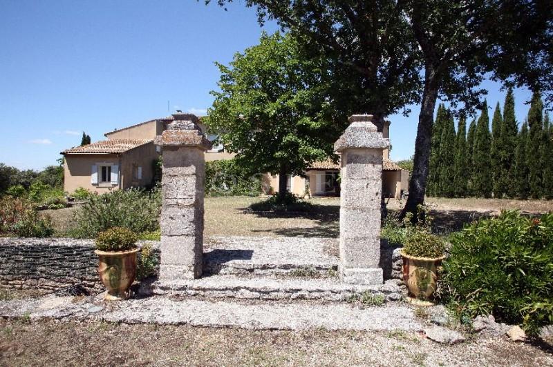Belle bastide sur 2 hectares de terrain en Luberon