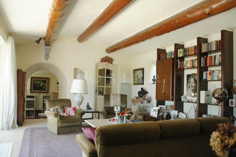 Maison en pierres avec vues exceptionnelles en Luberon