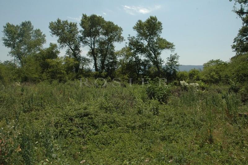 Terrain à Batir en vente proche d'un hameau en Luberon