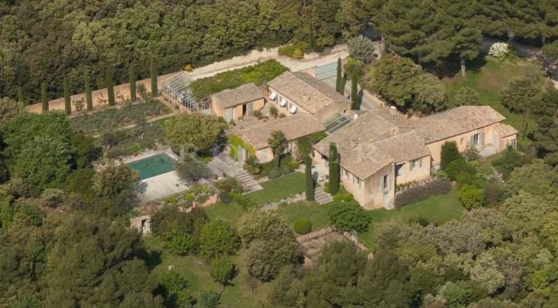 Propriété Provencale au style contemporain avec piscine, en vente proche d'Avignon