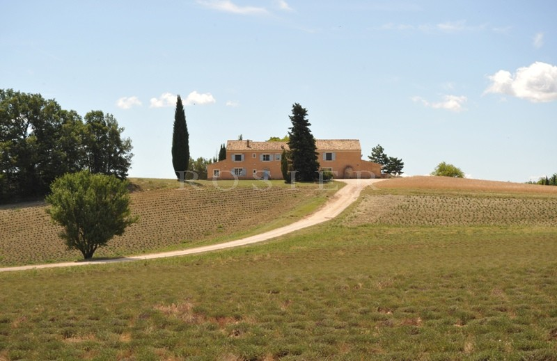 Between The Luberon And Mountains Of Vaucluse An