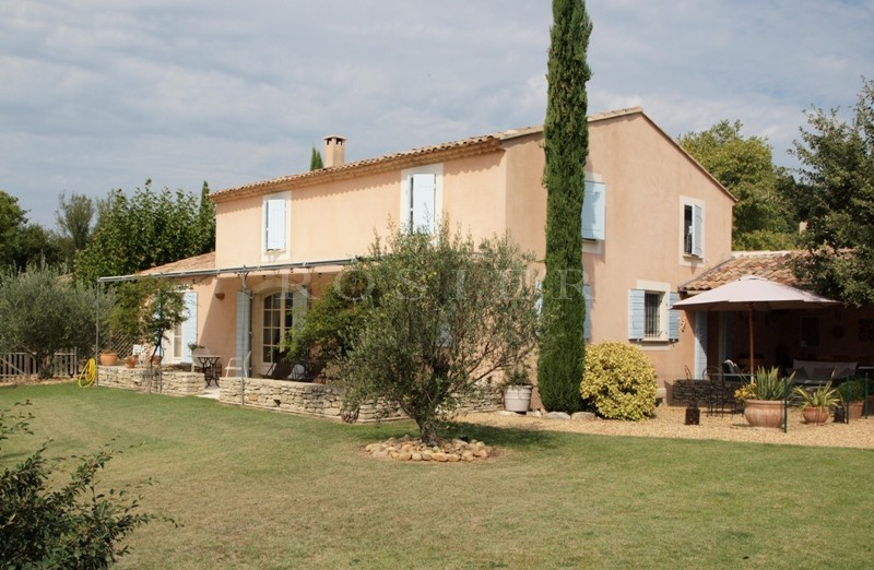 Belle villa contemporaine en Luberon