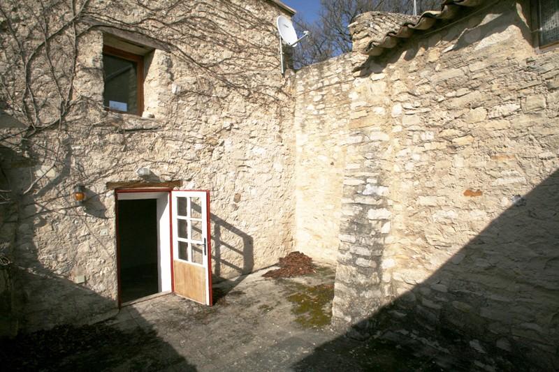 Au coeur d'un agréable village du Luberon, belle maison à vendre par l'Agence ROSIER à Gordes