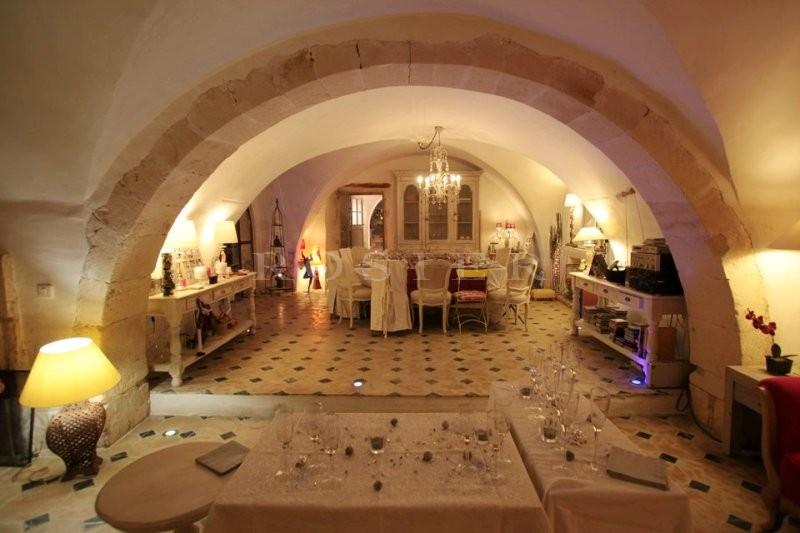En vente en Provence, en Luberon,  ancienne bergerie du XVIIème siècle, constituée de plusieurs bâtiments  sur 26 hectares dont 5,5 hectares dédiés à la culture de la lavande (5500 pieds).