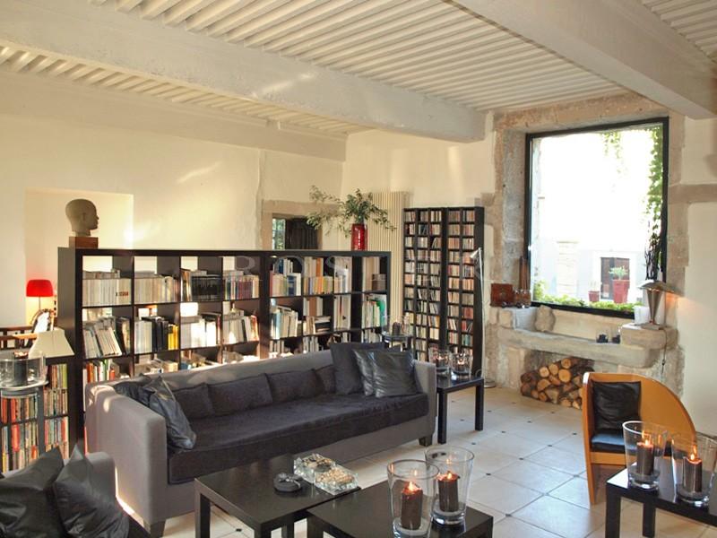 En vente,  entre la Drôme Provençale et le Comtat Venaissin,  luxueuse propriété alliant l'authencité de l'ancien et le confort du contemporain.