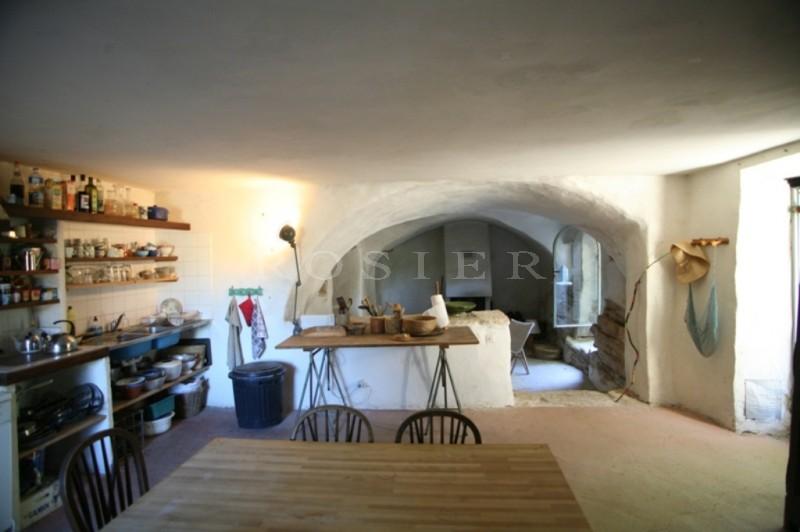 Très beau mas mitoyen à restaurer en Luberon - bien rare à la vente