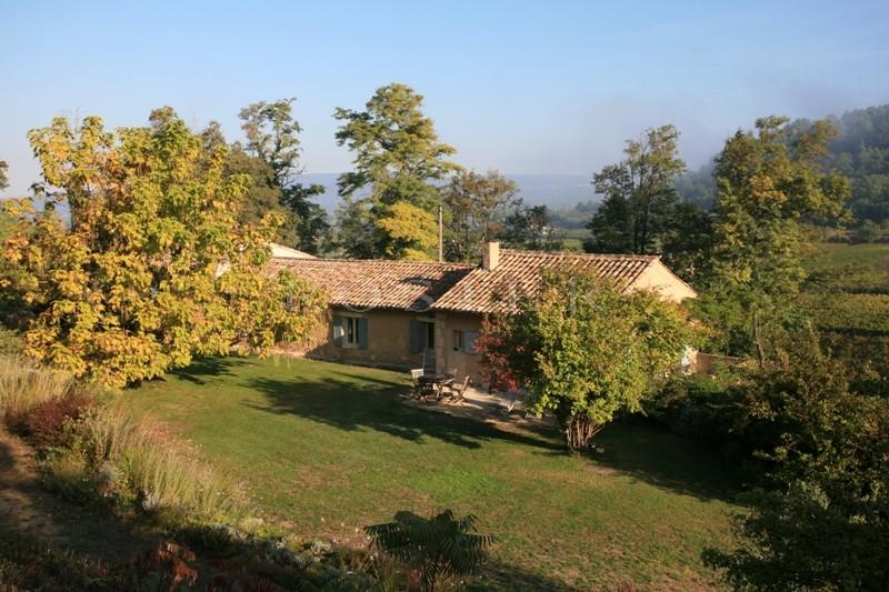 Ménerbes,  à vendre, mas du XVIIIème siècle, rénové et agrandi dans un parc de 2.6 hectares avec des vignes
