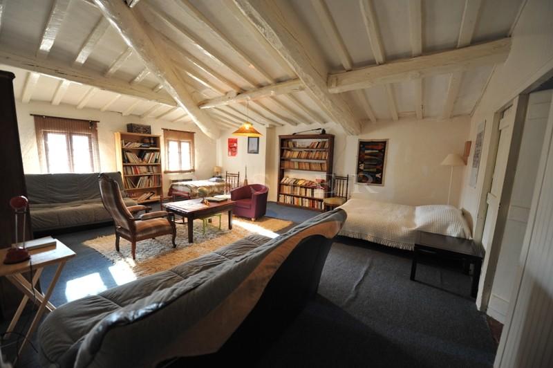 A vendre,  proche Mont Ventoux, authentique maison bourgeoise avec piscine sur 5 hectares de terrain