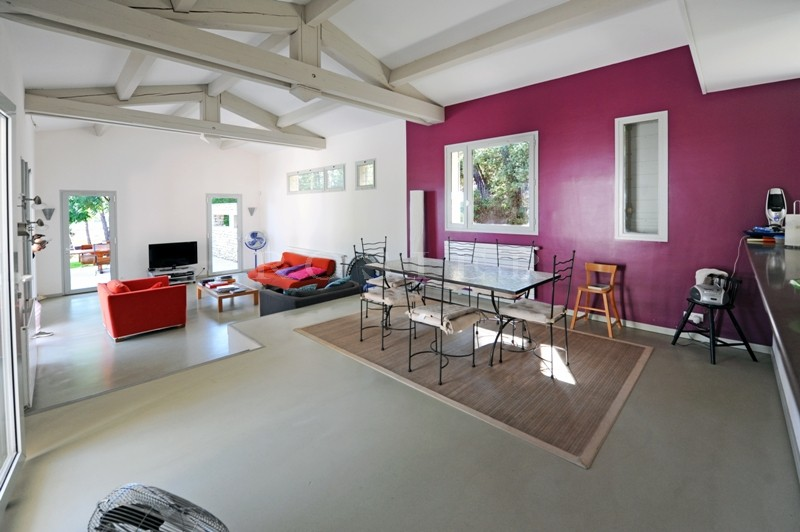 Ventes luberon maison contemporaine avec un plan int rieur correspondant aux attentes for Photo maison contemporaine interieur