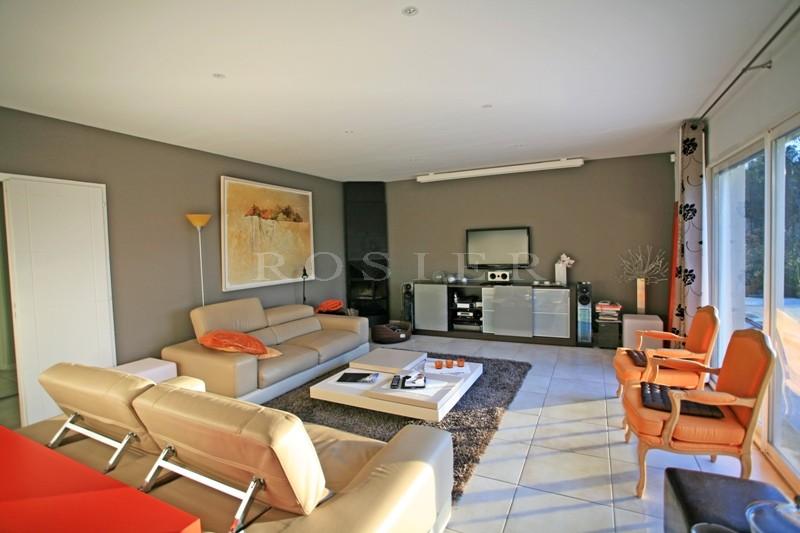 Confortable maison à vendre entre le Luberon et le mont Ventoux, avec piscine