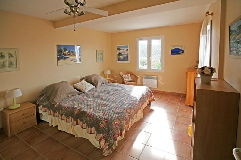 Luberon, à vendre, maison récente avec piscine et vue, en bordure d'un village de la Provence