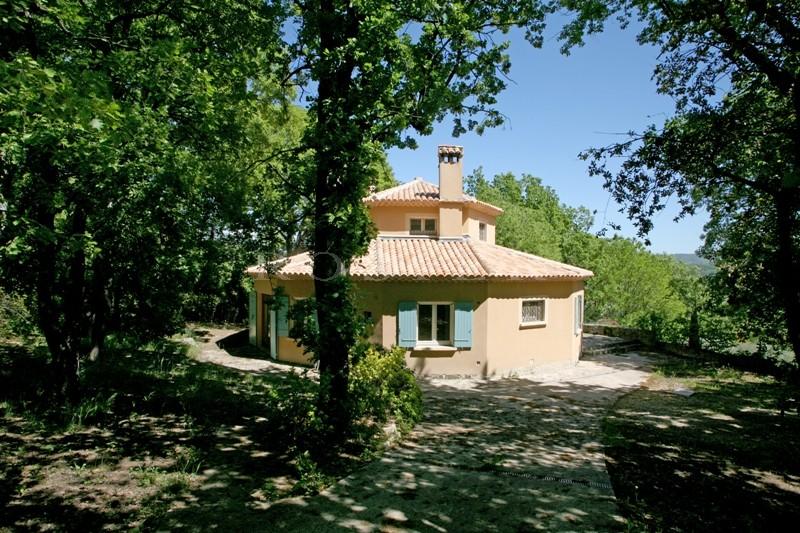 Luberon - A proximité des villages perchés, maison traditionnelle avec vues