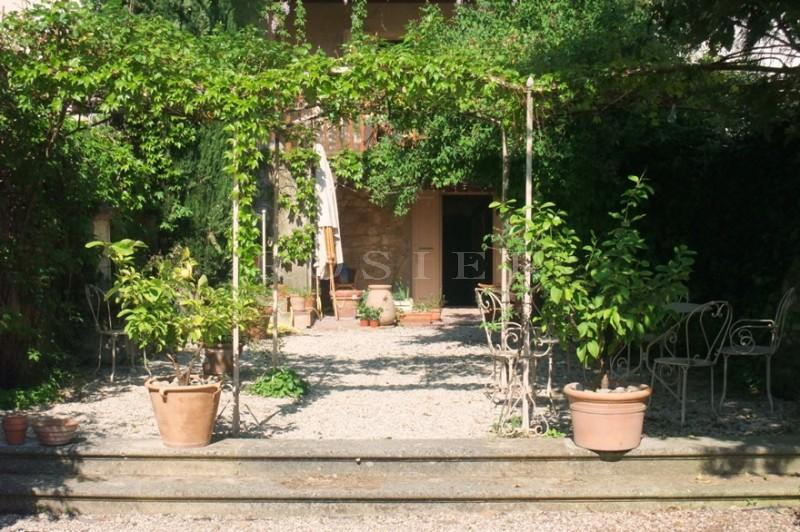 Au coeur d'un agréable village du Luberon, Maison de charme avec jardin
