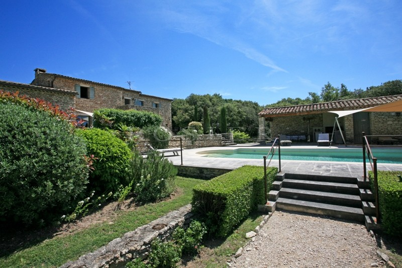 Ventes a gordes en vente superbe propri t comprenant 2 for 2 maison parc court