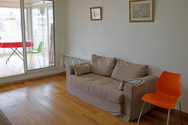 A vendre à Marseille,  bel appartement lumineux bien situé à proximité du Vieux Port