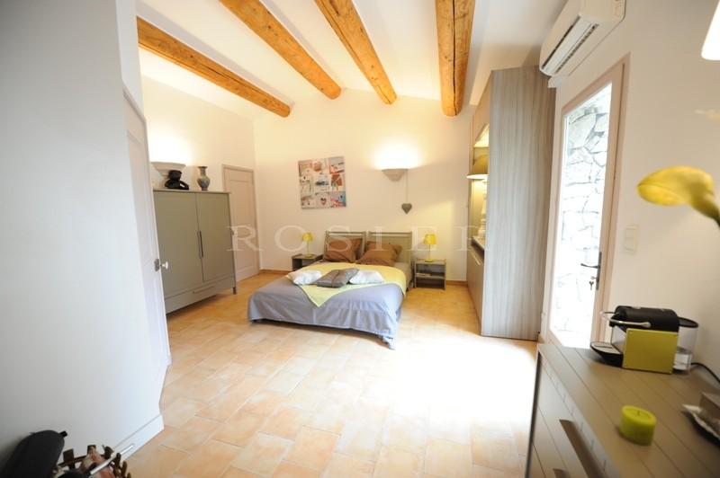 En Provence, à vendre,  mas ancien renové sur 6.5 hectares de terrain avec piscine, jacuzzi,