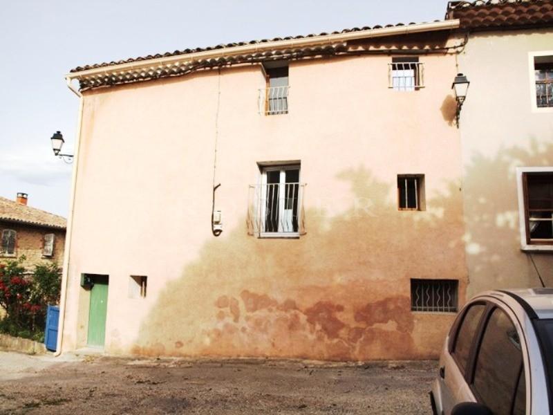 En vente dans le Comtat Venaissin,  charmante maison de village à 10mn de Carpentras, le pied à terre idéal en Provence
