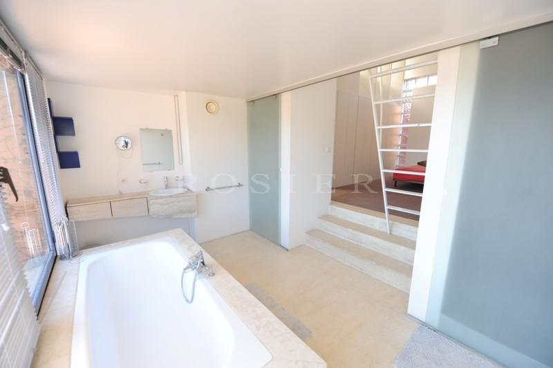 En vente en Luberon,  maison contemporaine en position dominante,  sur plus de 3 hectares de terrain avec piscine
