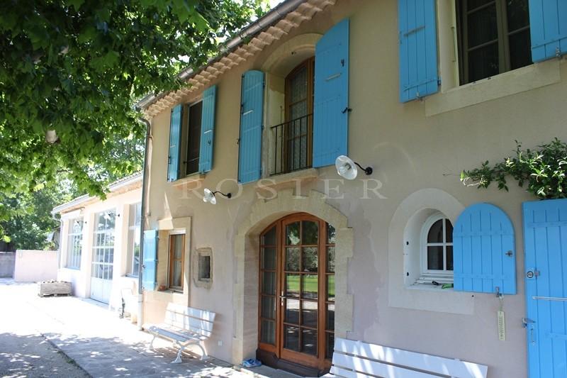En vente au pied du Luberon,  beau mas provençal du XIXème siècle avec dépendance,  dans un parc paysager