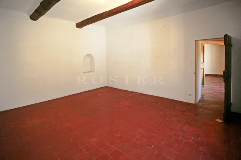 A vendre dans les Monts du Vaucluse,  charmante maison de village avec cour