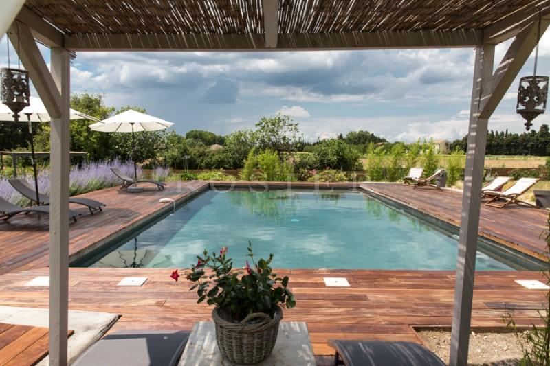 A vendre dans le Comtat Venaissin,  très beau mas du XVIIIème siècle, rénové,  dans un parc d'un hectare et une piscine