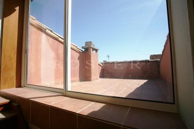 A vendre, en Luberon,  authentique maison de village,  avec petit jardin, piscine et terrasse