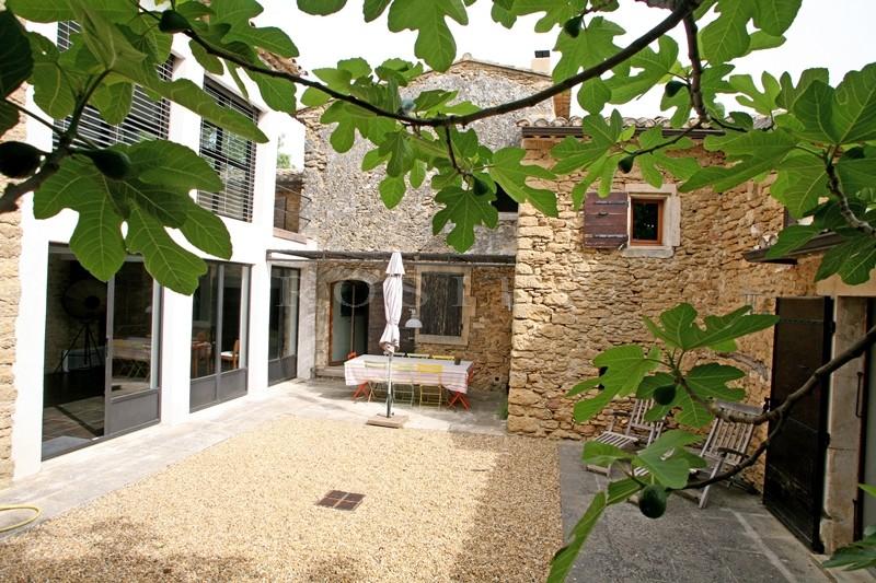 A vendre au coeur du Luberon,  mas du XVIIIème  réhabilité par un architecte de renom