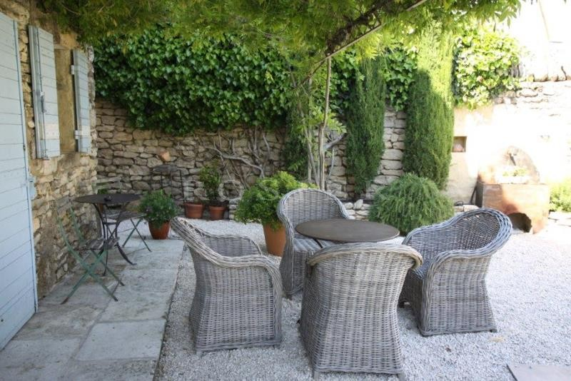 ventes a vendre gordes dans un hameau tr s belle maison ancienne en pierres avec terrasses. Black Bedroom Furniture Sets. Home Design Ideas