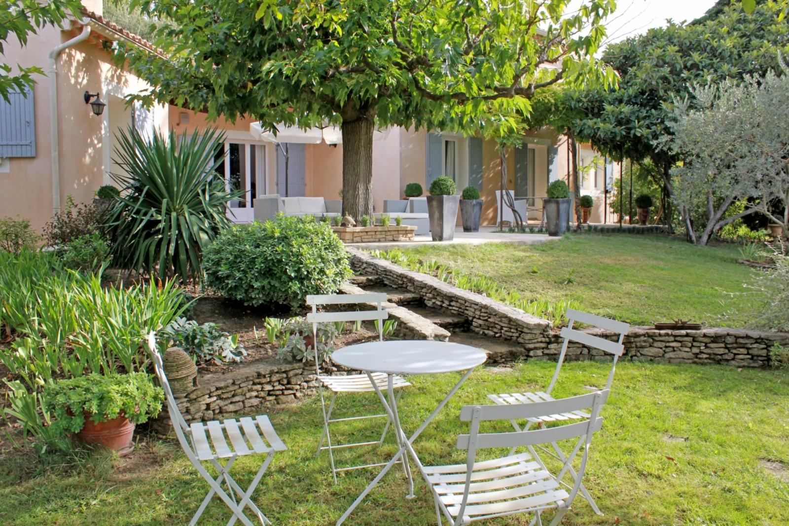 Maison récente avec piscine à vendre en Provence