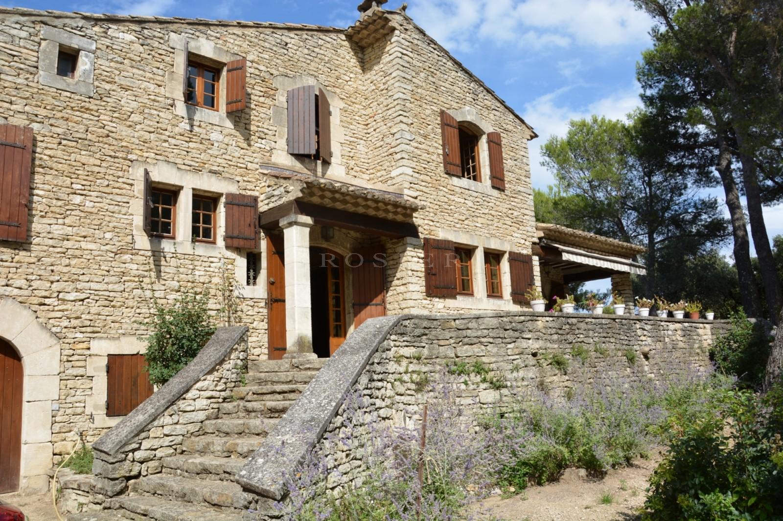 Maison provençale à vendre en Luberon en Provence