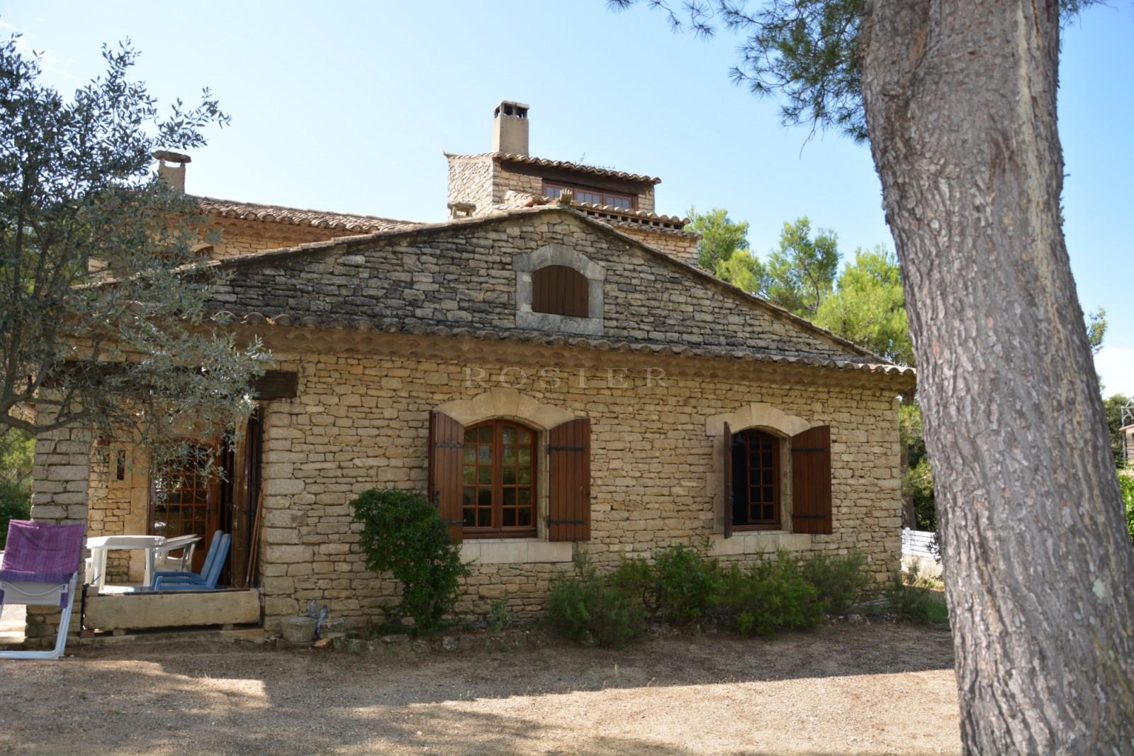 Maison provençale à vendre en Luberon par ROSIER