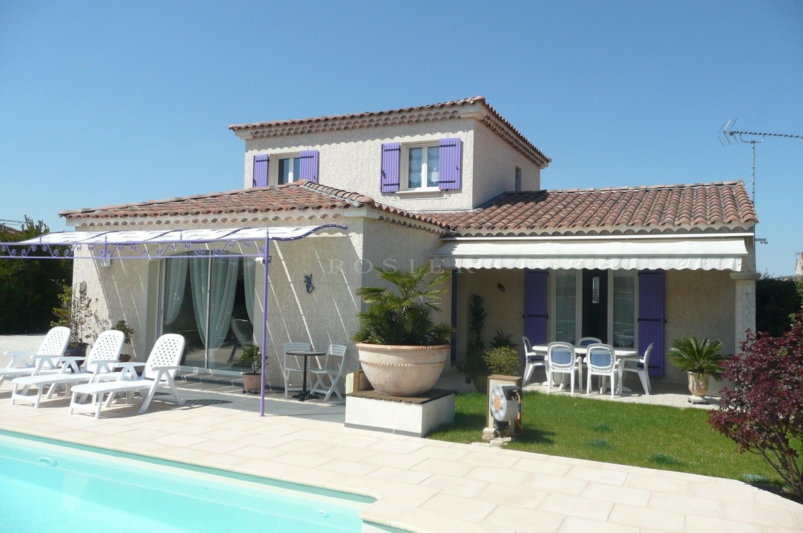 Ventes isle sur la sorgue belle villa contemporaine dans petit lotissement - Image de belle villa ...