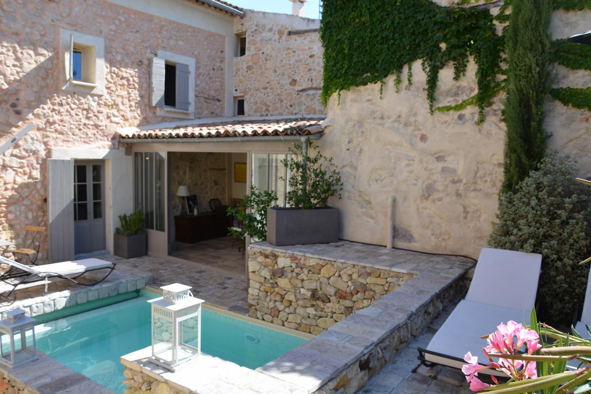 Maison restaurée avec piscinen à vendre dans le Luberon