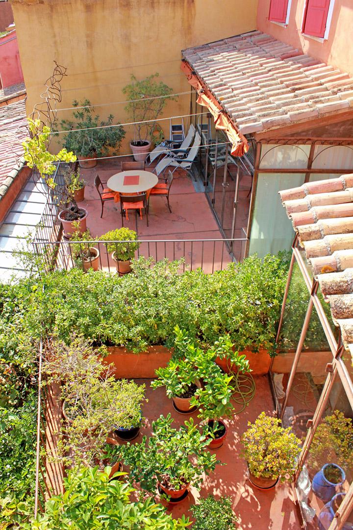 Ventes charmante maison de village avec un jardin secret for Au jardin secret