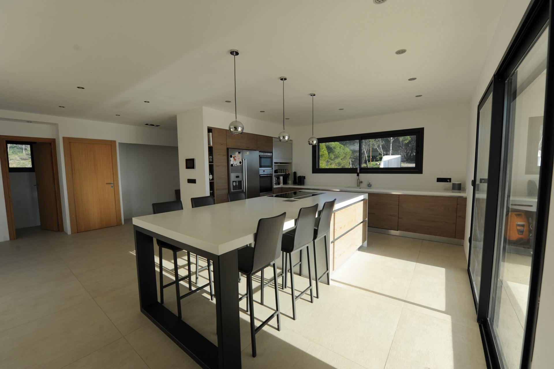 Ventes luberon maison moderne avec vue panoramique for Maison moderne 57