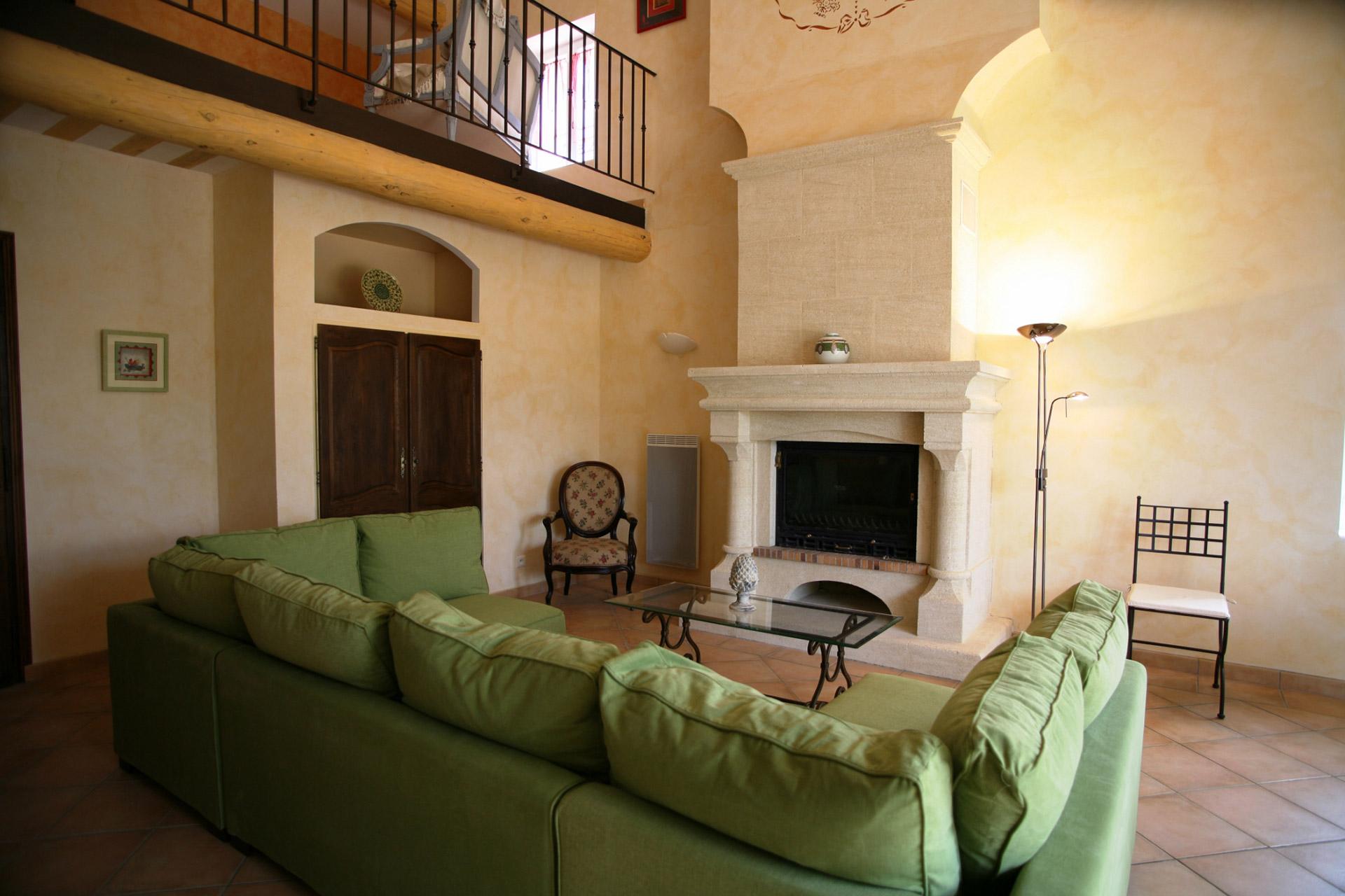Au cœur du Luberon, grand mas avec plusieurs appartements Tà vendre